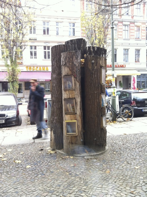 Book exchange tree, Berlin