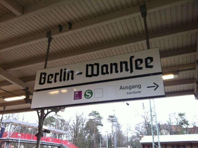 Train station signage typography, Berlin-Wannsee