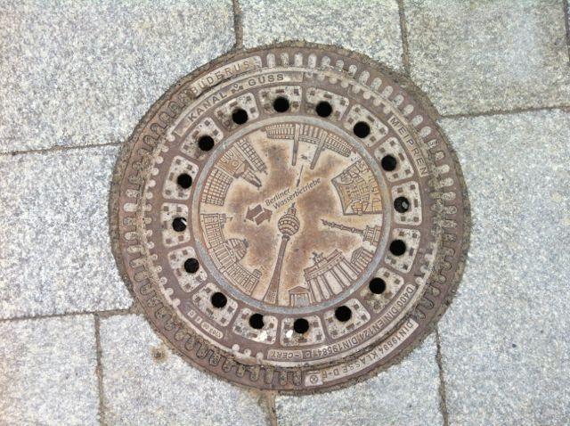 Berlin manhole cover